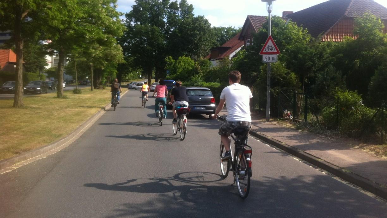 Mit dem Fahrrad durch die Auto-Stadt - und das bei traumhaftem Wetter, (c)WMG Wolfsburg