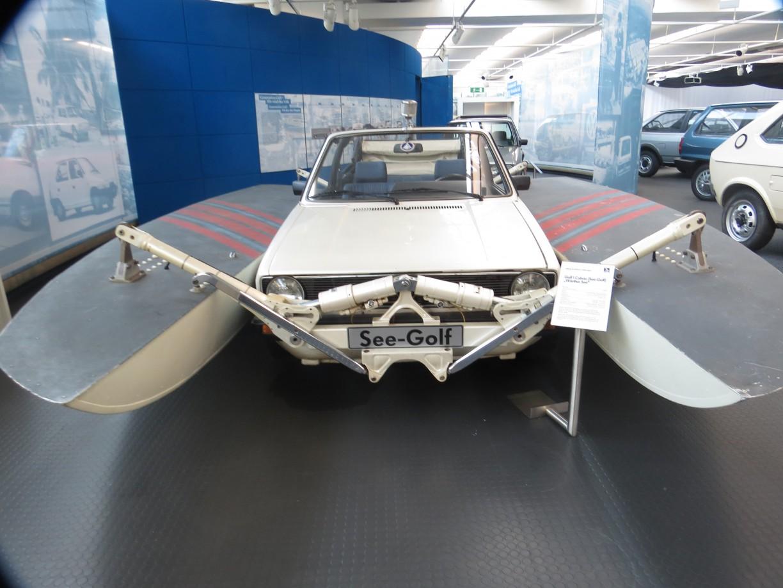 """der """"See-Golf"""" - ein Auto als Motoryacht, © WMG"""