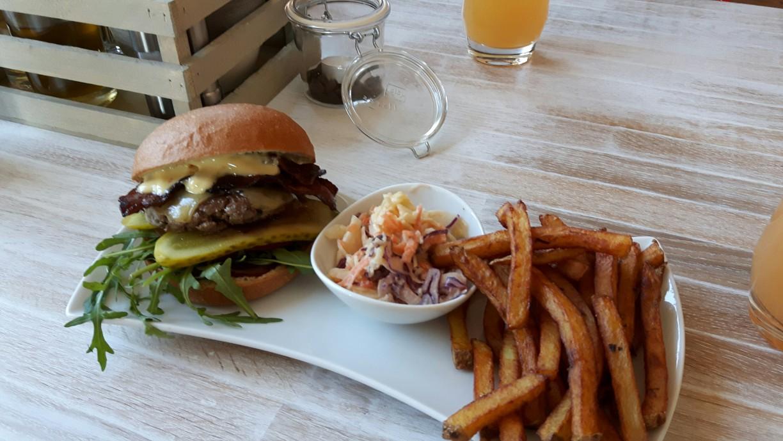 Leckere Burger im LOKALneun in Göttingen